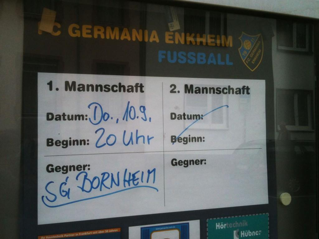 Hinweisschild zum Spiel Enkheim gegen Bornheim
