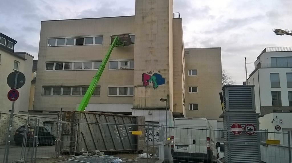Bauarbeiten am Saturn in Bornheim haben begonnen