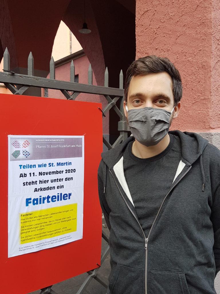 Vor dem Fairteiler in Frankfurt Bornheim