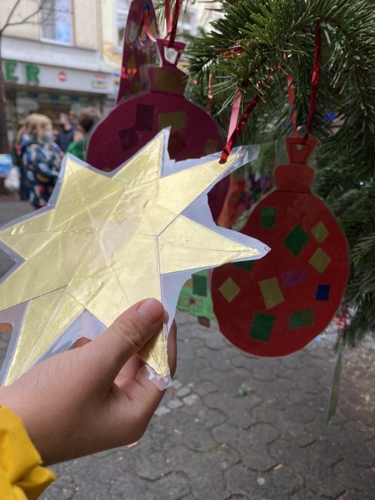 Weihnachtsbaumschmuck in Bornheim Mitte