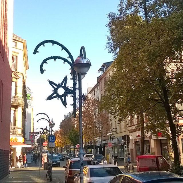 Berger Straße schmückt sich weihnachtlich