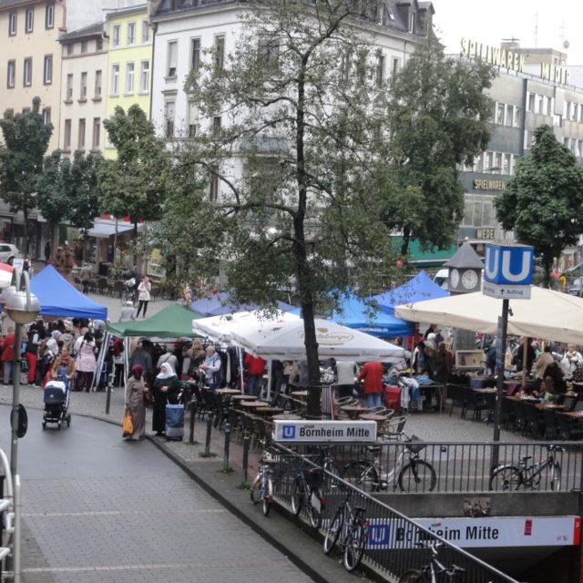 IGFM-Flohmarkt beim Uhrtürmchen